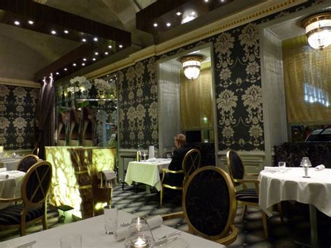 Onyx seating area - Picture of Onyx Restaurant, Budapest