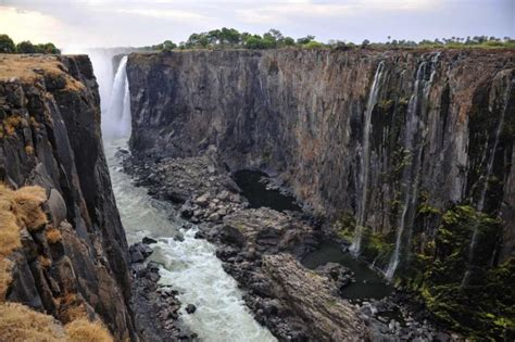 Legends of Southern Africa: Vic Falls, Hwange, Cape Town