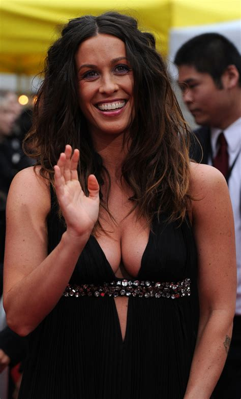 Alanis Morissette Busts Out (PHOTOS)   HuffPost
