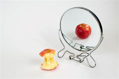 Battling with Anorexia: The Art of Letting Go - tongue in chic
