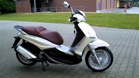 Piaggio Beverly 300 -11 Roller/Scooter 2011 - YouTube