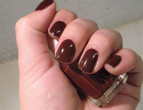 Confusion Bay: Swatch: Essie Nail Polish - Chocolate Cakes